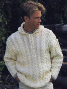 Пуловер с воротником-капюшоном