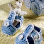 Голубые вязаные сандали