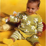 Пуловер с ромашками, штанишки и носочки Ромашковое поле