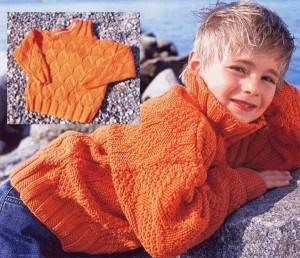 Оранжевый пуловер с рельефными ромбами