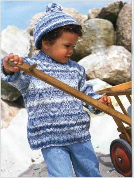 Меланжевый пуловер узором с косами и шапочка