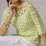 Зеленый вязаный пуловер с горловиной, обвязанной крючком