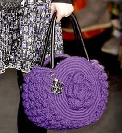 Фиолетовая сумочка с розой
