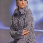 Пуловер вязаный из крупных кос и с большим уютным воротником
