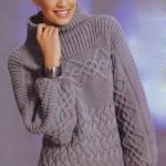 Пуловер вязаный со связанной поперёк кокеткой