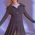 Приталенное вязаное пальто