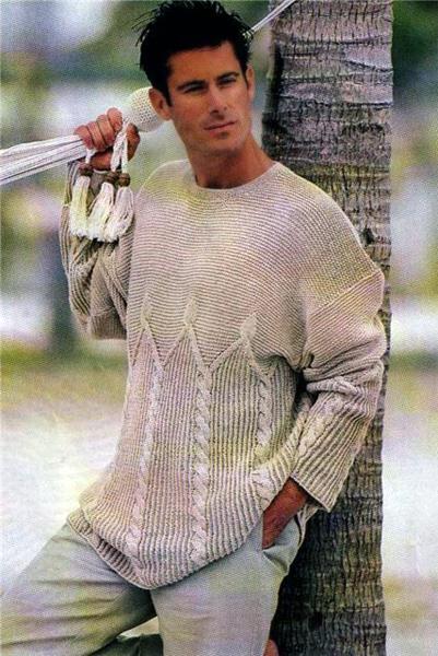 Светло-серый вязаный пуловер