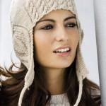 Вязаная шапка с ажурными ушками