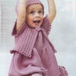 Вязаное детское платье, болеро и шапочка