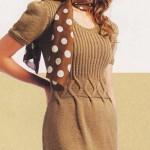 Светло-коричневое вязаное платье