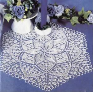 Шестиугольная салфетка с цветочным узором
