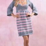 Серо-розовое вязаное платье