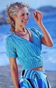 Голубой пуловер с запахом