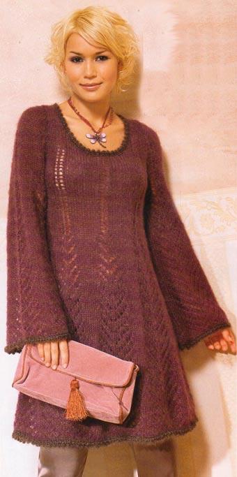 Расклешенное платье вязаное на спицах
