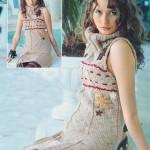 Вязаное платье без рукавов с вышивкой