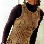 Светло-коричневая вязаная безрукавка с вышивкой