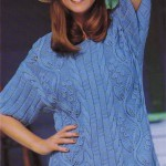 Голубой вязаный пуловер с листьями вьюнка