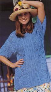 Голубая блузочка с листьями вьюнка