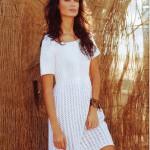 Вязаное платье с ажурными полосами