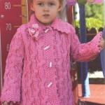 Розовое вязаное теплое пальто для девочки
