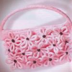 Вязаная сумочка с цветочками