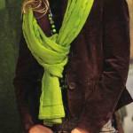 Зеленые вязаный шарф и сумка с косами