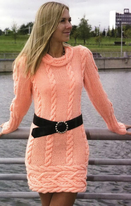 Вязаное платье-туника с карманами