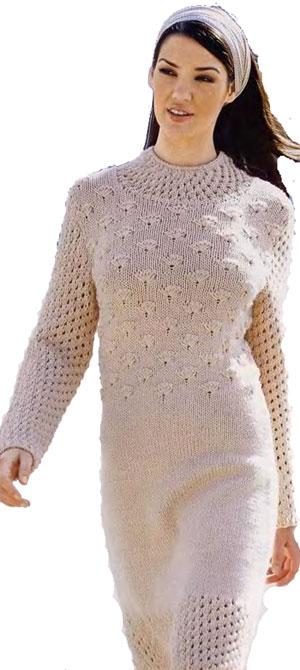 Вязаное платье с ажурным воротником