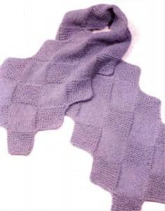 Вязаный шарф с диагональной шахматкой