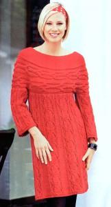 Красное вязаное платье с круглой кокеткой