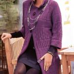 Вязаное лиловое узорчатое пальто