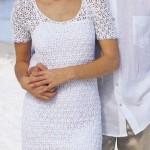Белоснежное вязаное платье на летний день
