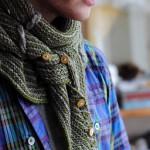 Необычный вязаный мужской шарф-платок