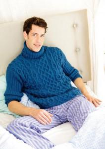 Мужской вязаный свитер с рельефным узором