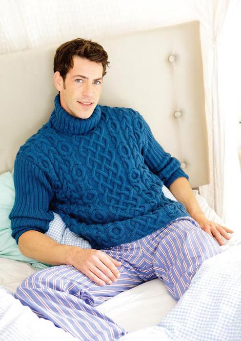 Мужской свитер узором длинный