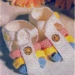 Сандали вязаные с разноцветными перемычками
