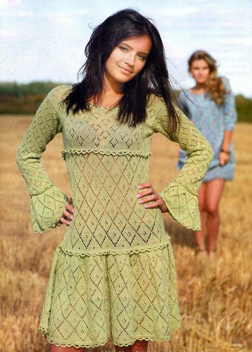 Ажурное зеленое платье спицами
