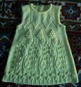 Детское вязаное платье
