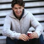 Вязаный мужской свитер на молнии