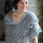 Вязаный платок с отверстиями