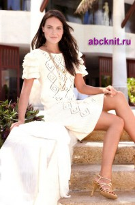 Ажурное вязаное платье с каскадом рюшей